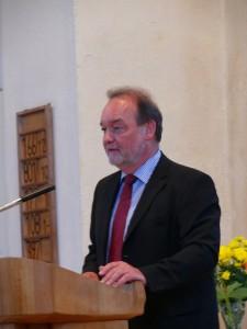 Pfarrer Harald Wildfeuer, Rektor des Schröder-Hauses