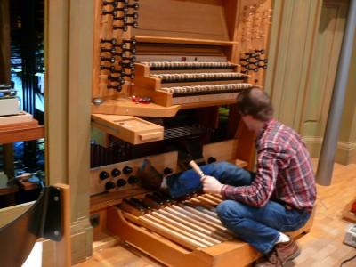 Arbeiten auf der Orgelempore